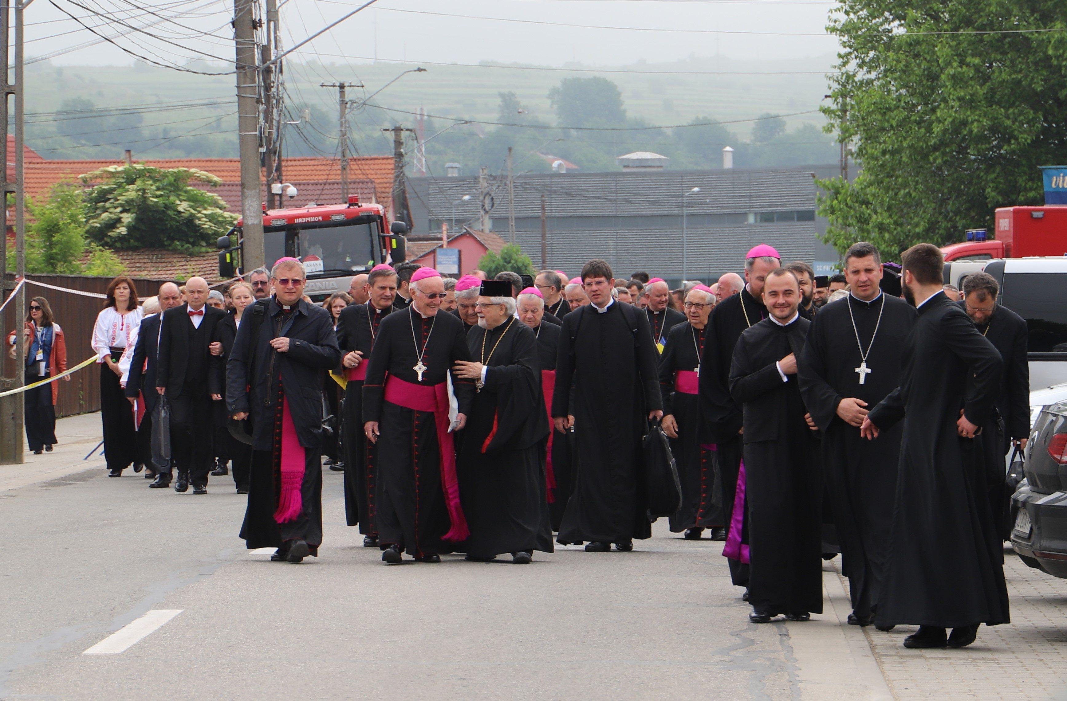 Kardinäle, Bischöfe und Priester