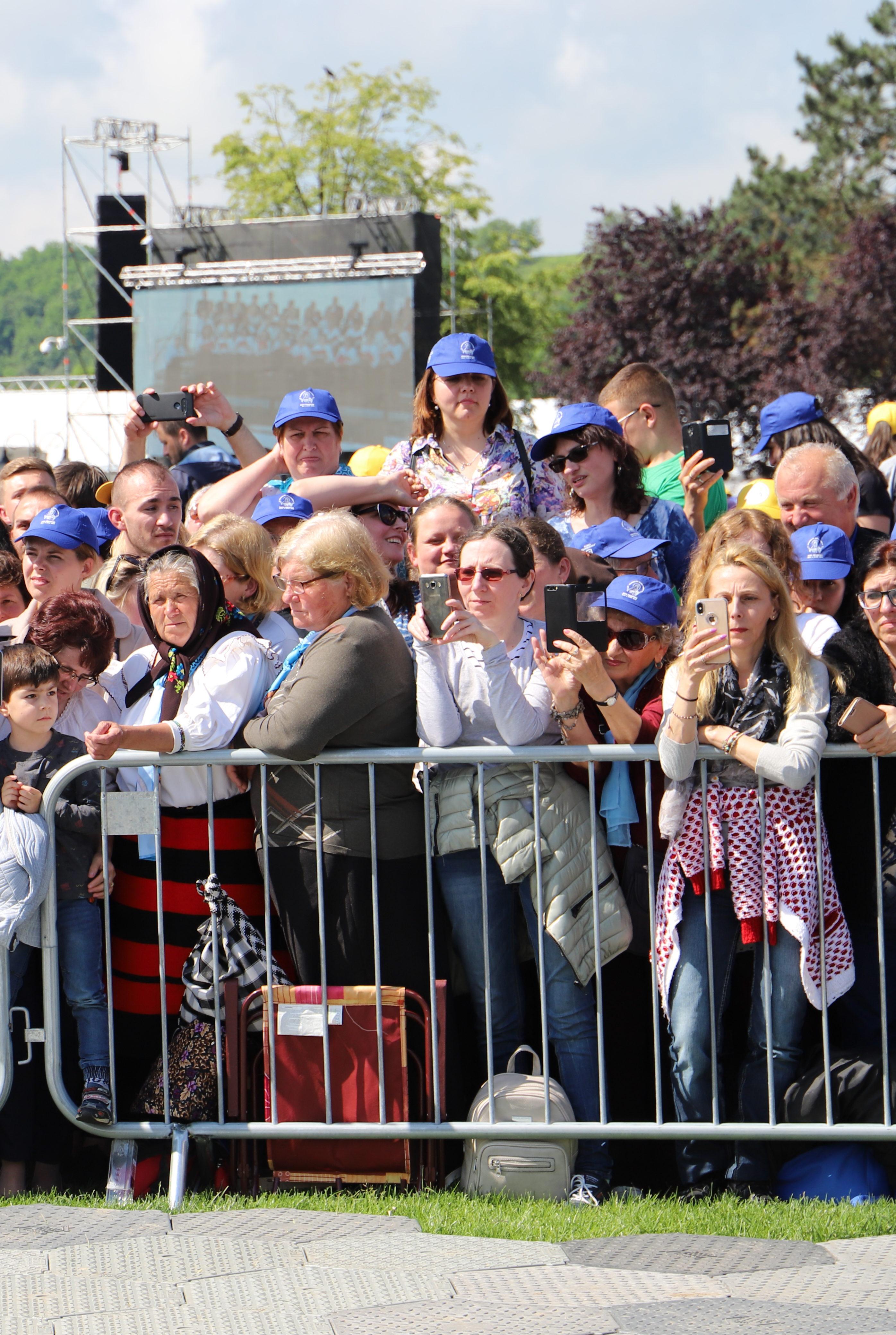 Kurz vor der Papstmesse in Blaiy